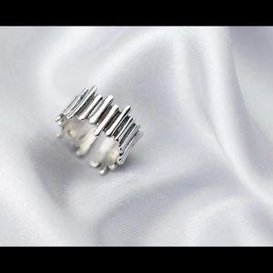 Jewelry - 925 Sterling Silver irregular ring.